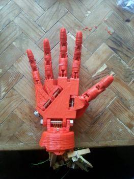 enredo de man robot de fernando c.